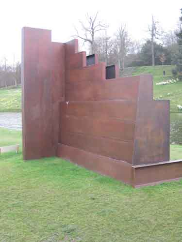Sir Anthony Caro Egyptian steel sculpture,caro light effects on his sculptures,contemporary sculpture by British artist Caro,metal art sculptures,